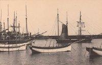Корабли в Ялтинской бухте